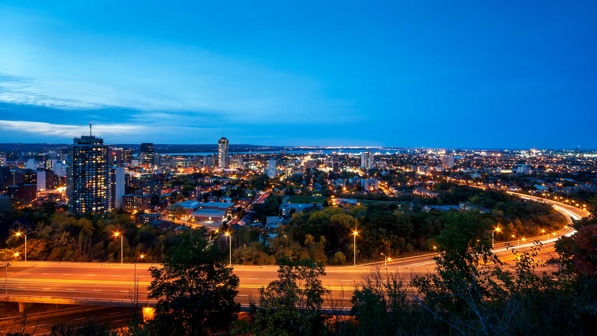 Panorama to illustrate dating in hamilton